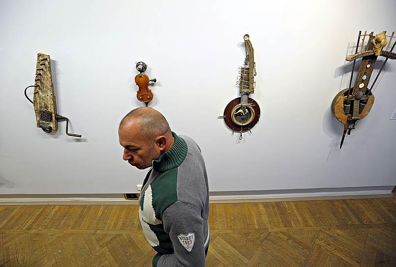 """Декабрь 2012. Выставка """"Звучащее вещество"""""""