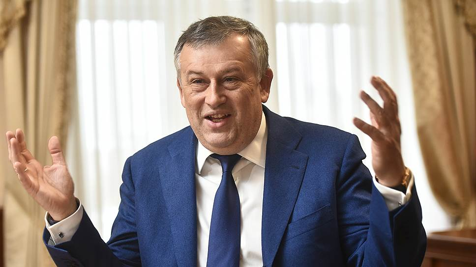 Губернатор Ленинградской области Александр Дрозденко обещает, что компании, приходящей в Ленинградскую область, достаточно будет выбрать земельный участок и обозначить параметры проекта, а всю бюрократическую процедуру оформления документов чиновники возьмут на себя