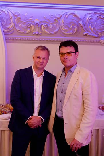 Генеральный директор ИД «Коммерсантъ» в Санкт-Петербурге Максим Ефимов и российский актер театра и кино Евгений Дятлов