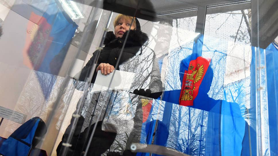 Создание избирательных участков в Ленинградской и Псковской областях вызвало разную реакцию