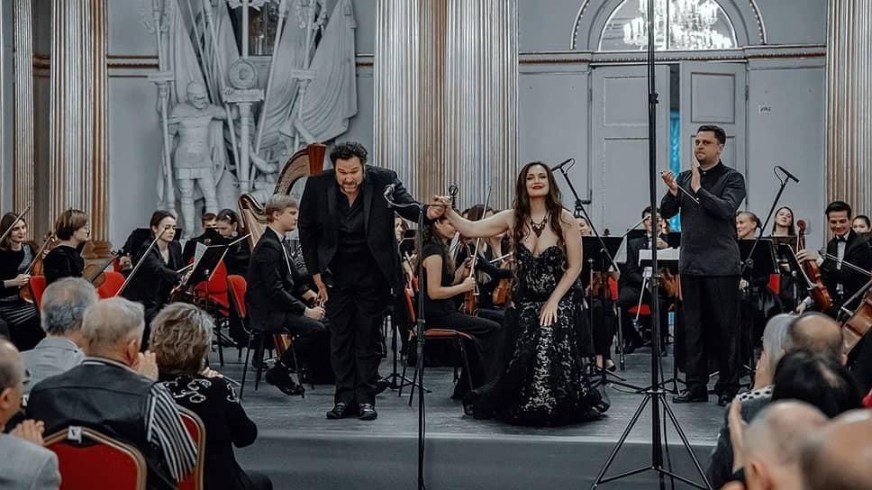 Брайан Химель, тенор (США) и Мария Баянкина, сопрано.