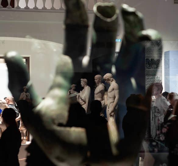 """Церемония открытия выставки """"Мечта об Италии. Коллекция маркиза Кампаны"""", организованная совместно c Лувром в Манеже Малого Эрмитажа"""