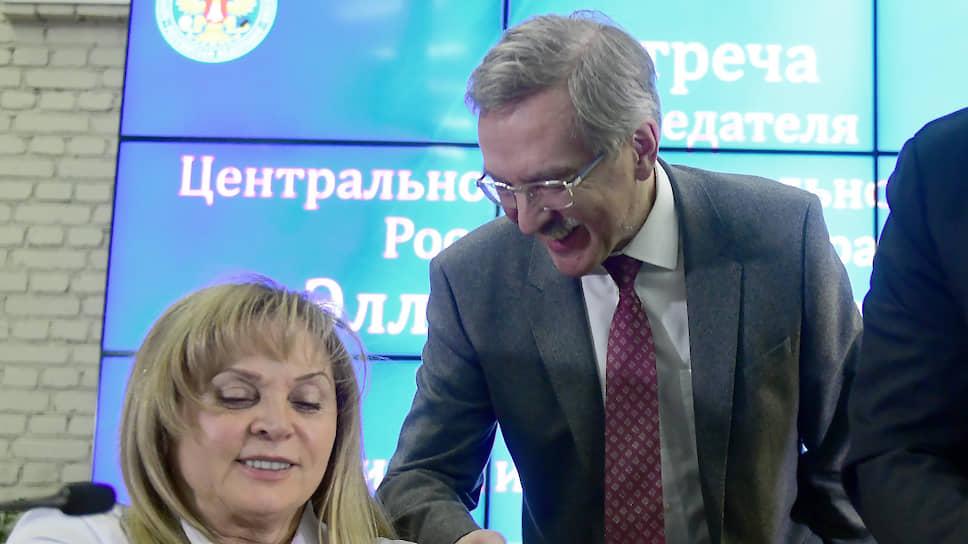 Председатель ЦИК России Элла Памфилова и уполномоченный по правам человека в Санкт-Петербурге Александр Шишлов