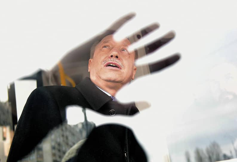 Врио губернатора Санкт-Петербурга Александр Беглов во время презентации первых электробусов вышедших на маршруты города