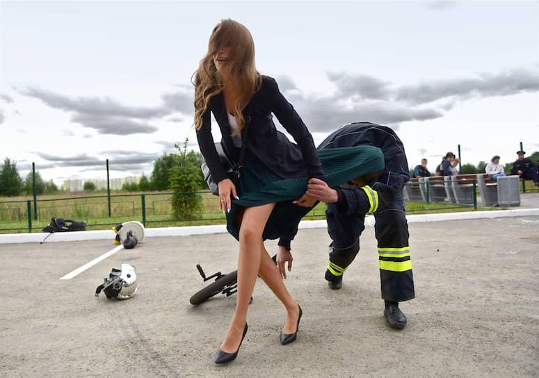 Церемония открытия нового пожарного депо в поселке Янино-1