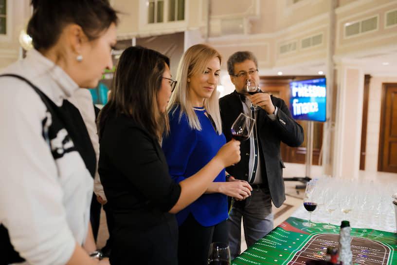 Винное казино от партнеров вечера - виноторговой компании «Форт» ИК «Фридом Финанс»