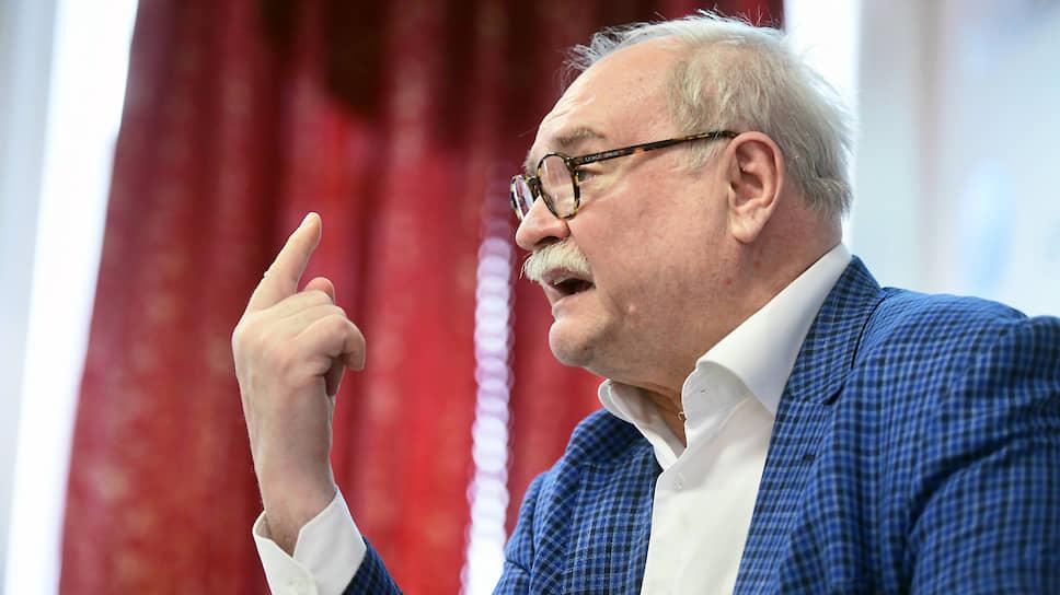 Август 2019 г. Владимир Бортко во время пресс-конференции по поводу своего решения сняться с выборов на пост губернатора Санкт-Петербурга