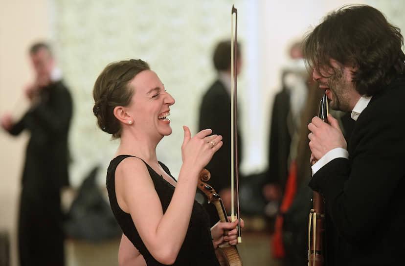 Музыканты оркестра Musicaeterna перед началом концерта в Государственной Академической Капелле