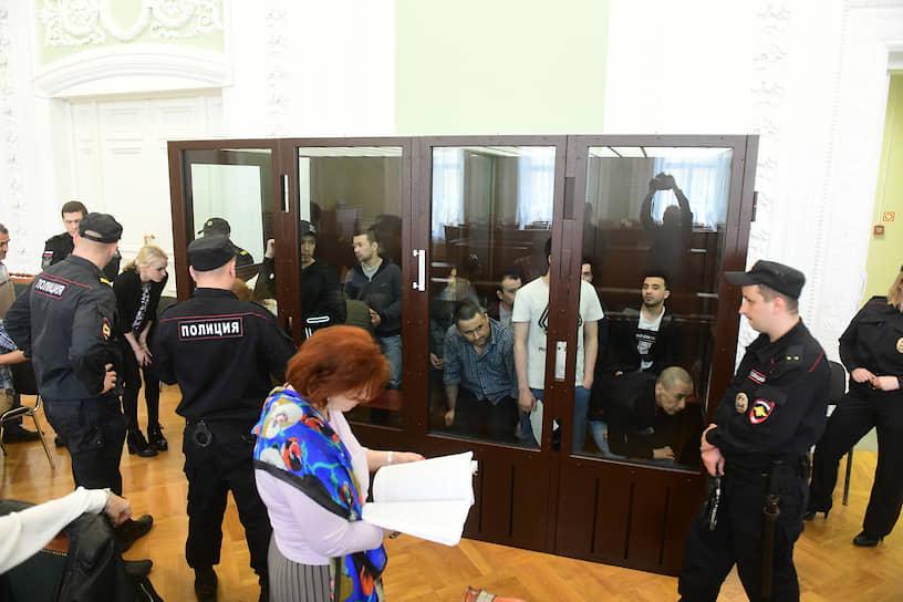 Ровно через два года начался суд над одиннадцатью фигурантами, которых сотрудники спецслужб посчитали причастными к взрыву в петербургском метро