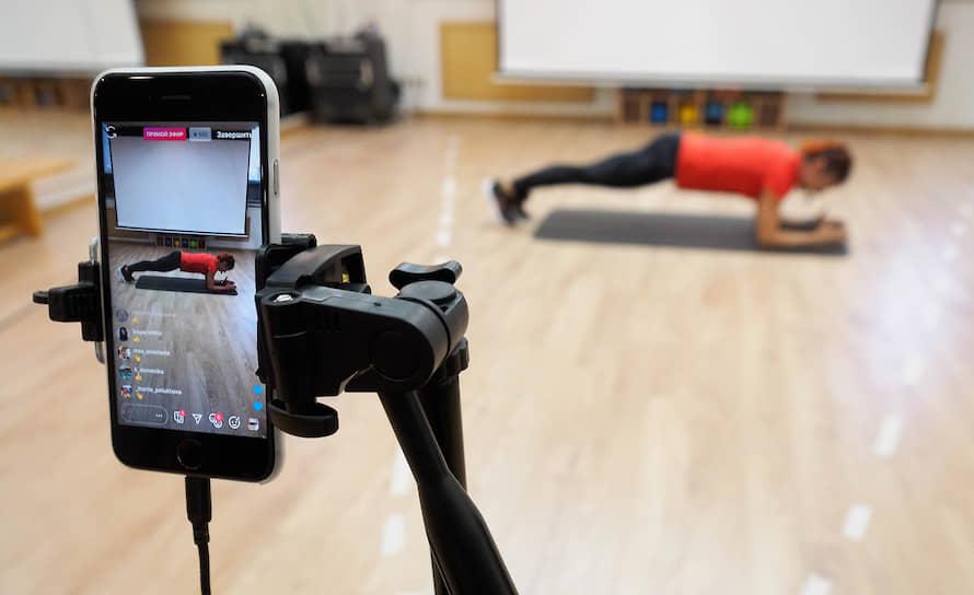 Онлайн тренировки проводимые спорт клубом WorldClass во время эпидемии коронавируса