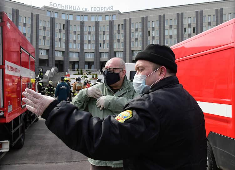 Последствия пожара в Городской больнице Святого Георгия. В пожаре погибли пять пациентов с диагнозом COVID-19, подключенных к аппарату ИВЛ в отделении реанимации