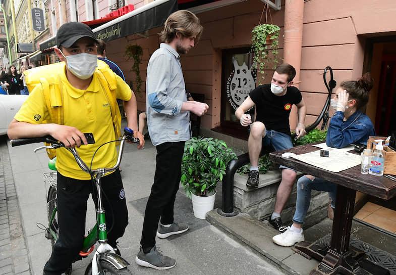 Улица Рубинштейна во время рекомендованного режима самоизоляции из-за опасности распространения коронавирусной инфекции COVID-19