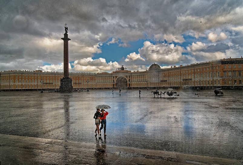 Дворцовая площадь после дождя