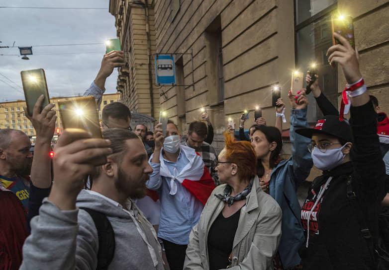 Акция солидарности с народом Республики Беларусь, протестующим против оглашенных результатов голосования на выборах президента Беларуси