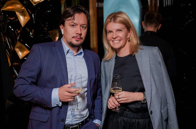 Старший вице-президент дивизиона бизнес-продаж «Иммигрант Инвест» Артем Азизов и основатель Luxury Travel Collection Дарья Мельник