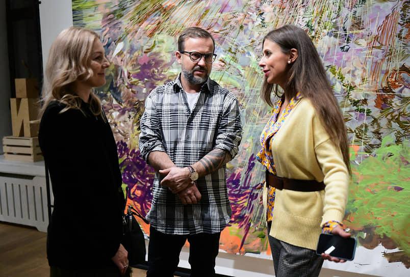 Создатель и директор галереи искусств Anna Nova, владелец комплекса Nova Arena Анна Баринова (справа)