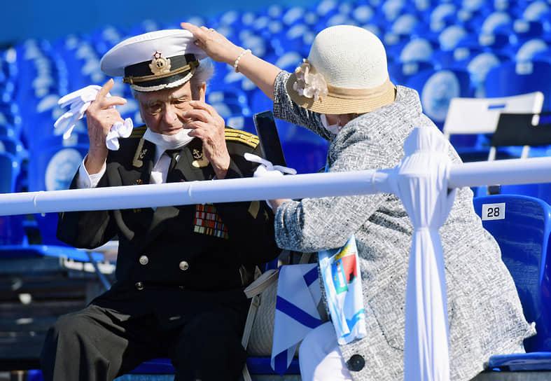 Перед началом парада в Кронштадте в честь Дня Военно-морского Флота
