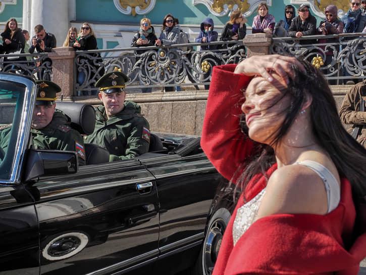 Репетиция пешей части парада Победы на Дворцовой площади в честь 76-й годовщины Победы в Великой Отечественной войне