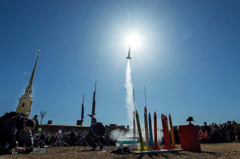 ХXXIII Показательные старты моделей ракет, изготовленных школьниками, студентами и энтузиастами ракетно-космического моделирования