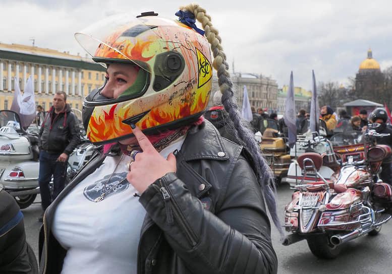 Церемония открытия мотосезона на Дворцовой площади