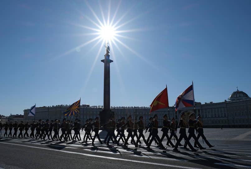 Военный парад на Дворцовой площади, посвященный 76-й годовщине Победы в Великой Отечественной войне