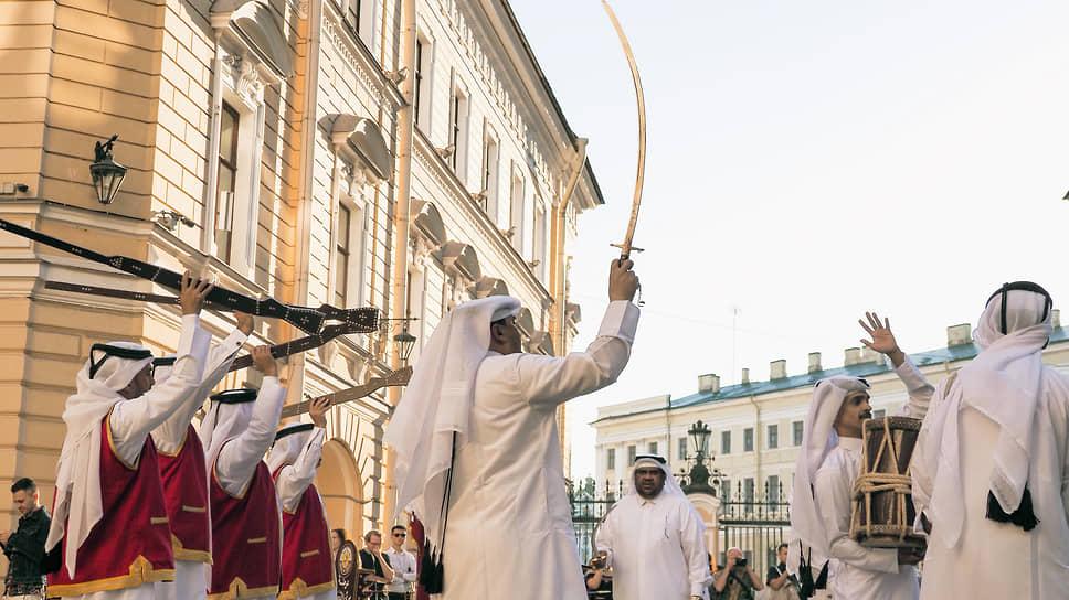 Выступление музыкантов из Катара во дворах Государственной академической капеллы Санкт-Петербурга в рамках XXIV Петербургского международного экономического форума