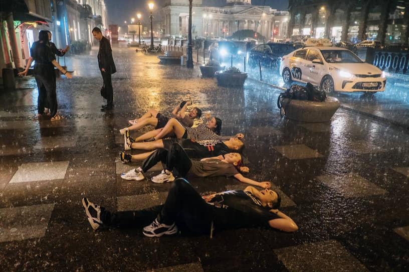 """Ночь после праздника выпускников средних школ """"Алые Паруса"""""""