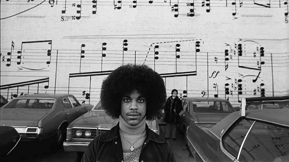 Певец Принц в 1978 году. Фото Роберта Уитмена