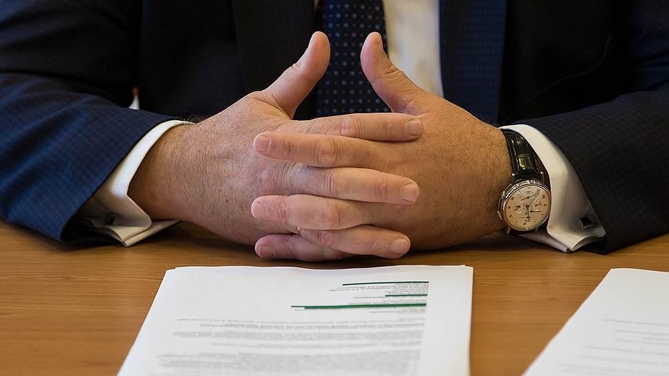Инструкции «с нормативными свойствами» множатся: кроме ФНС, их издают, в частности, Федеральная таможенная служба, Федеральная антимонопольная служба и также Минфин