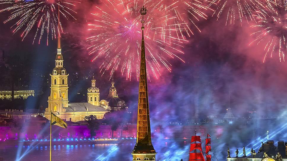 Большинство опрошенных экспертов считают, что праздник «Алые паруса» еще далеко не исчерпал свой потенциал в плане продвижения Петербурга на туристическом рынке