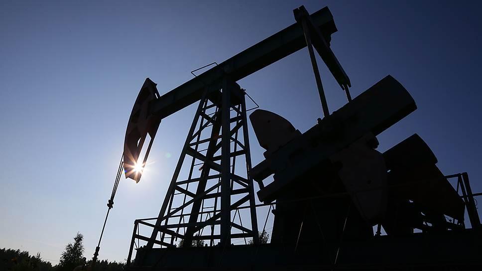 Нефтяное предложение, превышающее спрос, стало одним из факторов, обваливших мировые цены на этот ресурс