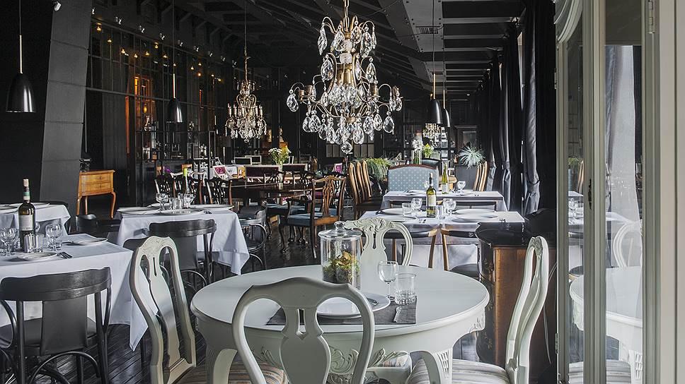 Ресторанный зал в громадной «Квартире Кости Кройца»