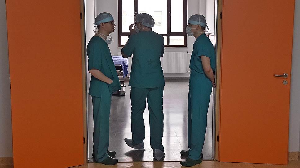 Нередко доступ к болеутоляющему закрывают сами врачи, опасаясь проблем со стороны надзорных органов