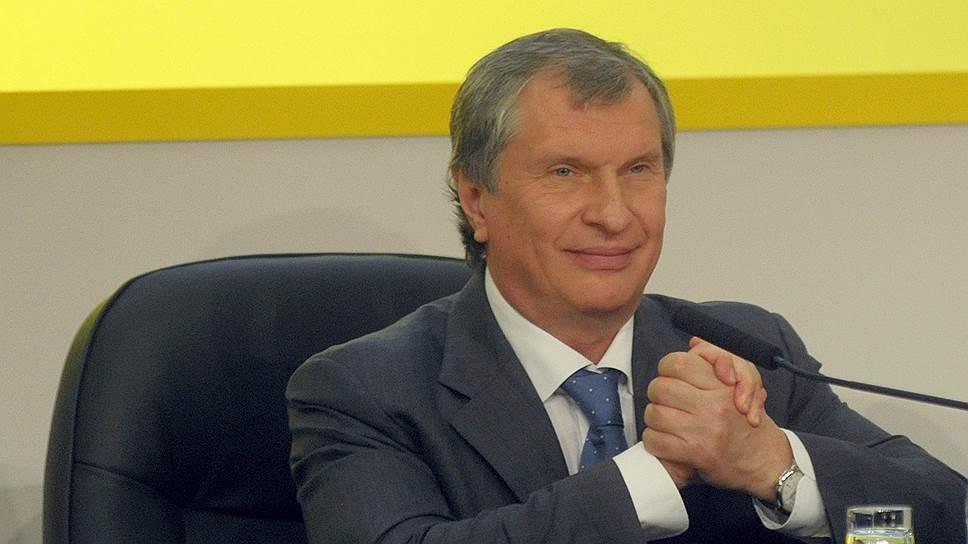 В этом году глава «Роснефти» Игорь Сечин заключил две знаковые сделки