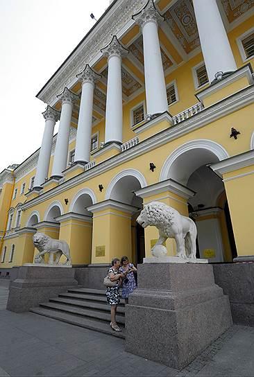 Four Seasons Hotel Lion Palace в Петербурге, расположенный в знаменитом «Доме со львами», относится к классу luxury