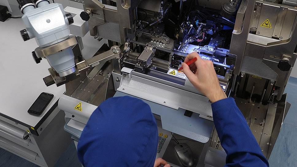 Основными заказчиками лизинга высокотехнологичного оборудования являются предприятия радиоэлектронной отрасли, которой необходимо создание российской электронной компонентной базы с высокой надежностью