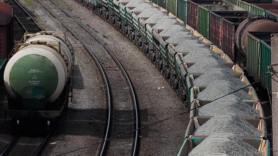 Одной из главных причин увеличения интереса к железнодорожным перевозкам в 2016 году со стороны грузовладельцев стал рост стоимости автотранспортных услуг из-за внедрения системы «Платон»