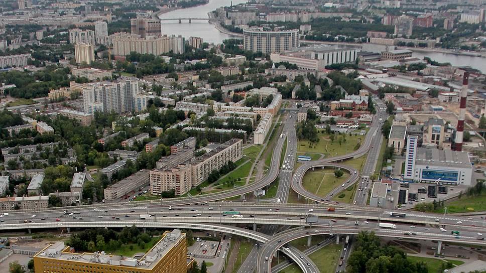 В Петербурге существует дисбаланс между темпами развития портов, крупных транспортных узлов (хабов) и смежной транспортной инфраструктурой