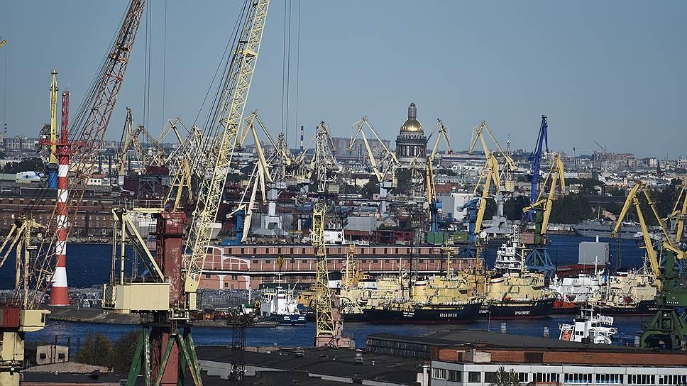 Министерство экономического развития РФ сформировало список из тридцати российских частных компаний, девять из которых работают в Петербурге и им оказывается адресная поддержка