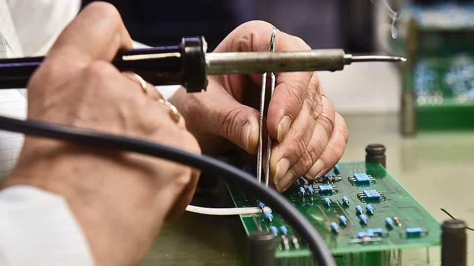 Основными потребителями продукции являются предприятия оборонной промышленности, гражданское машиностроение и медицина