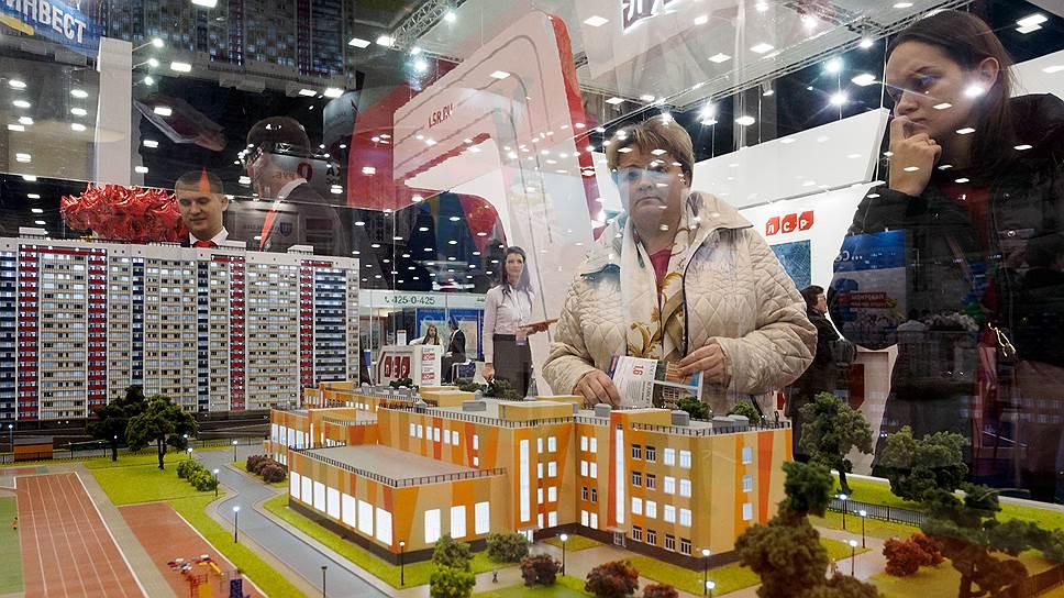 Эксперты говорят, что сегодня долевое строительство дает возможность покупателям сэкономить от 20 до 40% средств при приобретении жилья