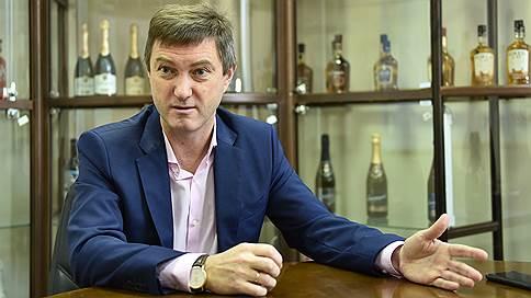 """""""На Новый год в нашей стране потребляется столько же шампанского, сколько за все остальные месяцы""""  / Интервью"""