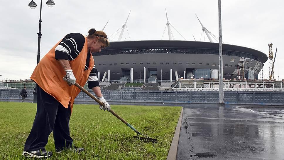 Крупнейший из спортивных форумов Москвы проводится в подтрибунных помещениях «Открытие Арены». На новом футбольном стадионе в Петербурге такой практики нет