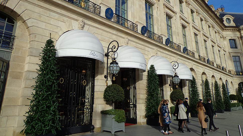 Фасад отеля вписывается в ансамбль Вандомской площади