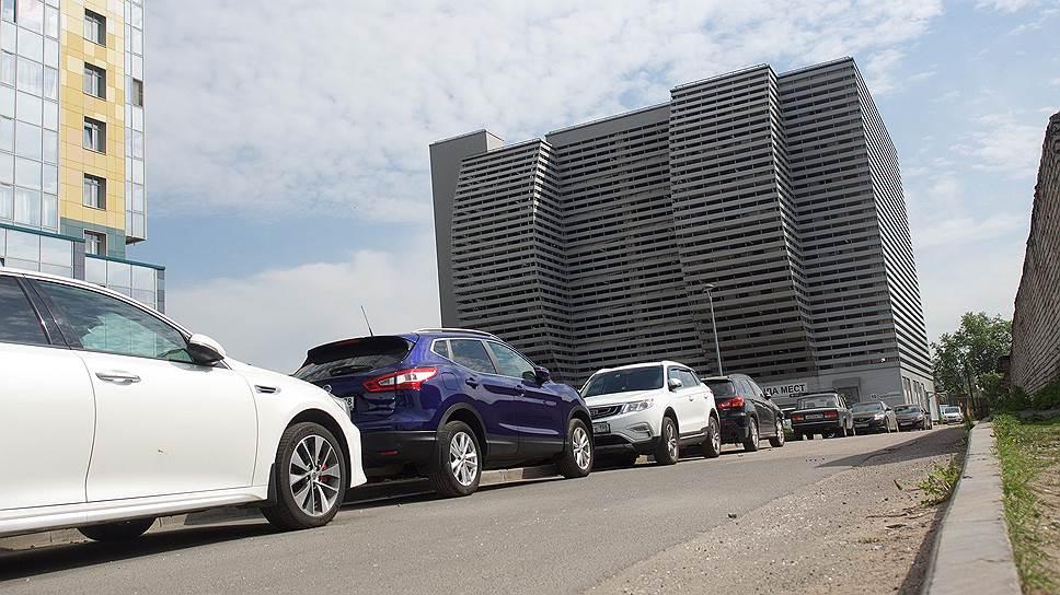 Для застройщиков паркинги — это скорее дополнительная статья расходов, а не возможность заработать. Они стремятся продать их хотя бы по себестоимости, и это удается с трудом