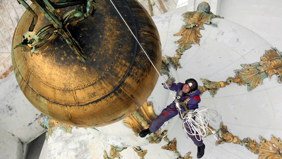 Объем реставрационной программы в Петербурге несколько лет остается на уровне 2,8–2,9 млрд рублей в год. На эти средства ежегодно реставрируется 60–70 объектов