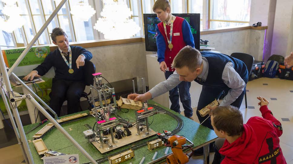 В Петербурге показатель вовлечения школьников в сферу дополнительного образования выше среднероссийского значения