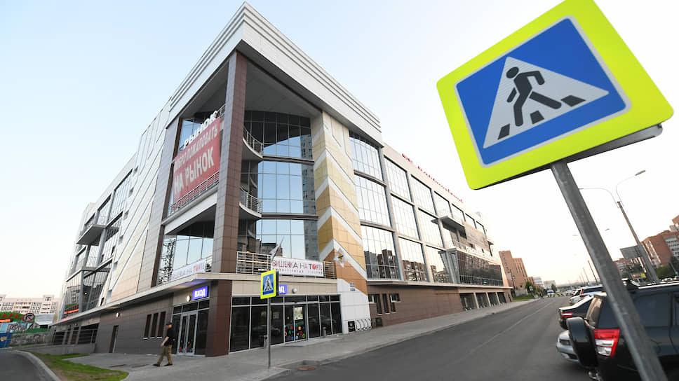 В Петербурге исторически ощущается дефицит небольших торговых и торгово-офисных зданий площадью 1500–3500 кв. м. Наиболее актуальный формат — два этажа