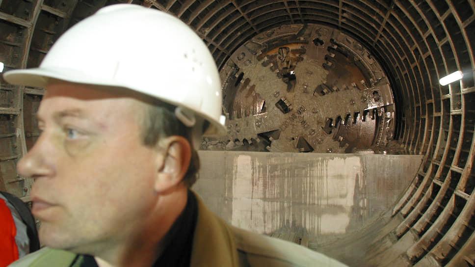 Смольный перераспределил финансирование строительства метрополитена