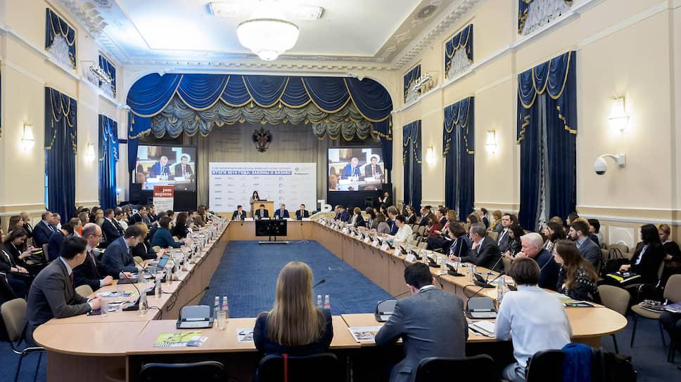 Участники форума констатировали: на российском рынке существует своя специфика, поэтому юридические технологии должны отличаться от зарубежных
